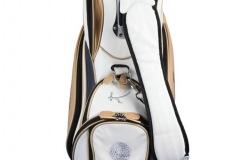 Individuells Golfbag aus echtem Leder. Golfball-Design
