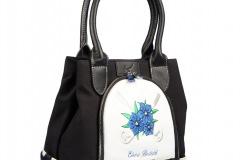 Designer Handtasche individuell bestickt: Blaue Blume