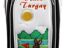 Golfbags ganz individuell: Hase auf dem Grün