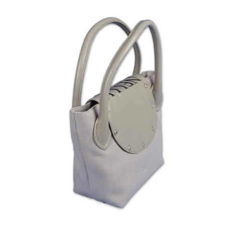 Custom hand bag ONLY YOU by KELLERMANN Golf®. Sand colored subtle elegance. Custom stitched with a monogram